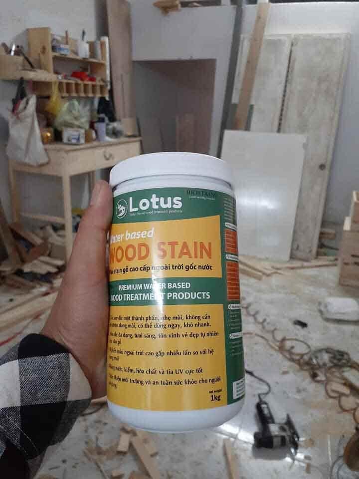 xưởng gỗ dùng sơn gỗ gốc nước
