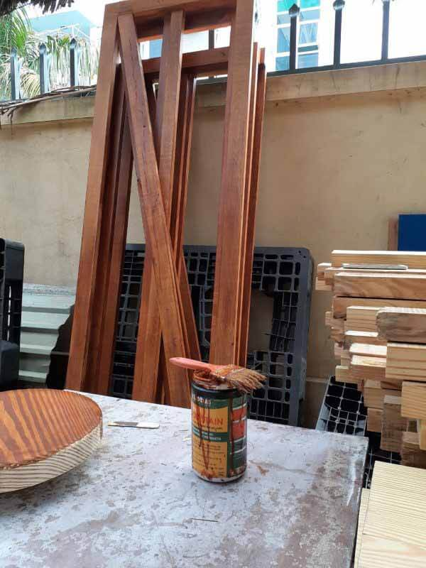 Trực tiếp làm thợ mộc và triển khai được các công việc trong xưởng gỗ. ... trước khi sơn , cách pha các loại sơn và quy trình sơn,kỹ thuật sơn gỗ công nghiệp, gỗ